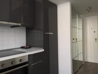 Sunny studio flat in Zona Tortona