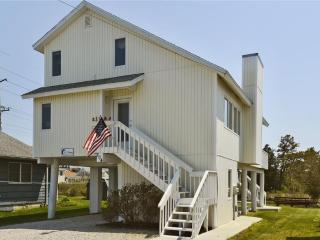 Nice two story home located on the 'Loop Canal' just a block and a half from the beach!, Bethany Beach