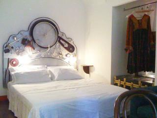 Le finestre di Luz Orange room, Rome