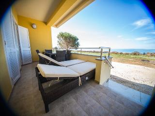 Luxury apartment villa 20 m from sandy beach, Nin