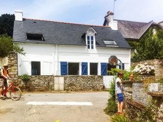 House with sea view 250m from beach, Morbihan