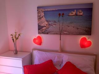 centrale con due camere ideale per due coppie, Lecce