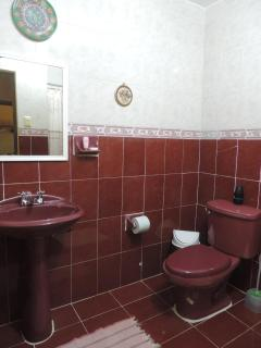 3 piece bathroom with plenty of hot water and towels!