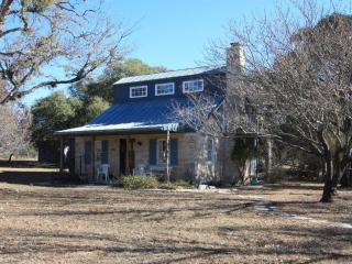 Annie's Place -Country Property 10 Minutes to Town, Fredericksburg