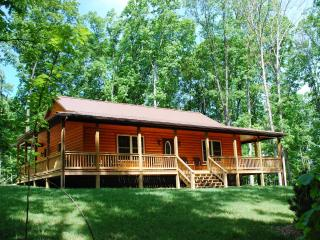 Mountains, Peace & Privacy! Perfect for couples & families. Mid-Week Specials!