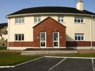 Kilkee Bay Holiday Homes - 3 bedroom : Kilkee, Clare