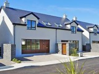 Lahinch Corran Maebh Holiday Village 3 Bed (Type B) : Lahinch, Clare