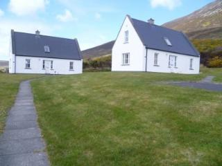 Baile Slievemore Holiday Cottages - 3 Bed (Type B) : Achill Island - Keel, Mayo
