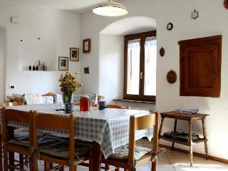 appartamento rustico in antico maso nel verde, Caldonazzo