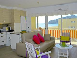 Front beach apartment , sea view. COSTA BRAVA