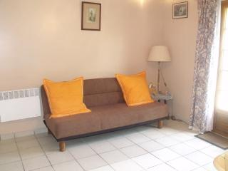 Lounge with comfortable sofa bed, English TV, DVDPlayer, Selection of DVDs. Books and Games