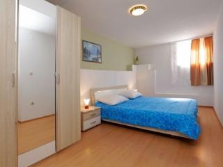 Aurora Apartments 4, A4, Bol