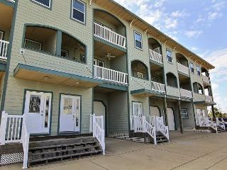 Spacious 2 bedroom 2 1/2 bath condo in Signal Point., Port Aransas