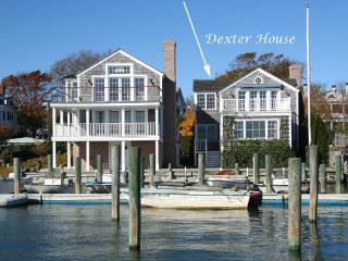 THARD - Dexter House, Luxuirious Harborfront Home, Village Center, Walk to Light