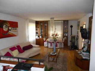Famiglia affitta 2 camere in casa dove vive, Borgo Valsugana