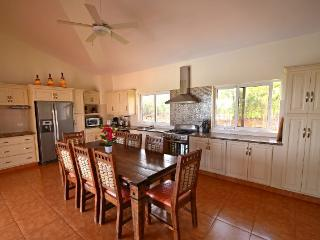 A gorgeous villa with four bedrooms connected to the main house is just perfect for a nice vacation with your family and children. Well-equipped white kitchen made from the best pieces of mahogany tree. Each bedroom has its own cable TV, air conditioner a