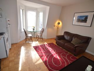 Charming and quaint two bedroom apt, Toronto