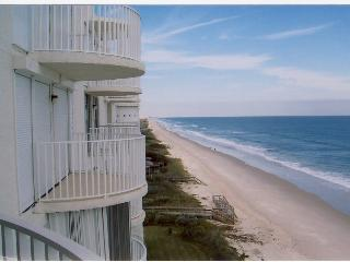 Ocean front condo 1 hr from Orlando, Indian Harbour Beach