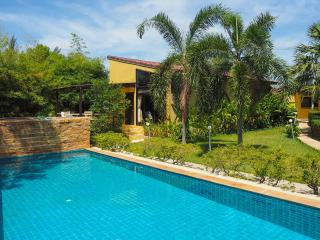 Charming Pool Villa in Long Beach, Koh Lanta, Ko Lanta