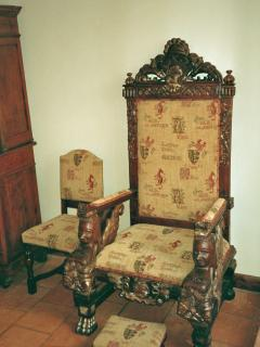 The old Throne!!