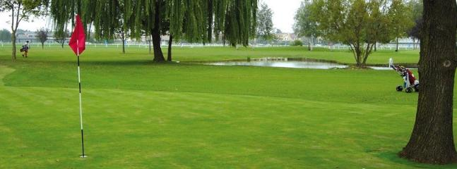 Golf Club ' The Willows ' Ghirada