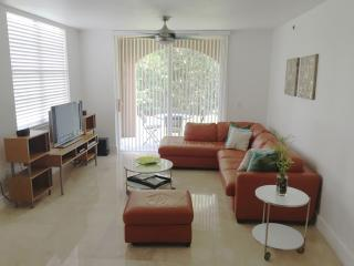 3/2 Aventura Condo Available for all seasons