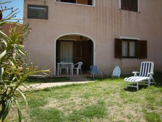 da Elena - vialetto ingresso e loggia - Mare & Mirice Case Appartamenti Vacanza