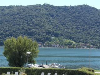 Moderno appartamento fronte lago, Sarnico