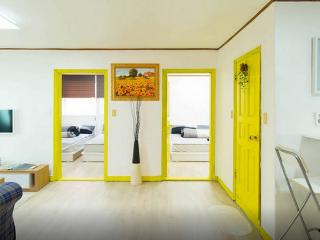 ★2min walk★Hongdea House[ 3ROOM ], Seúl