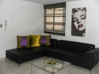 3BEDROOM SPACIOUS AND MODERN APARTMENT IN LAURELES, Medellin