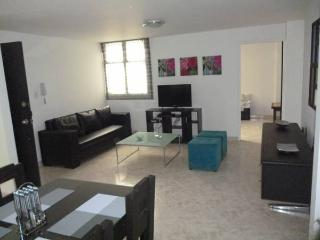 MODERN NEW 3BEDROOM SPACIOUS APARTMENT IN LAURELES, Medellín