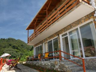 Panoramic Sea View Apartment-2 Min from beach, Agios Gordios