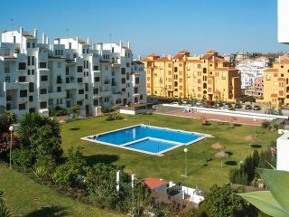 Apartment with pool and sea view, Estepona