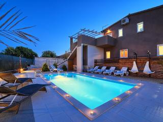 Luxury villa Nikolina