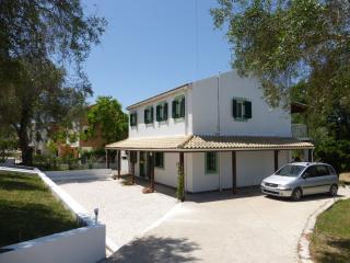 Villa Petrony  New to holiday market so a  bargain, Agios Georgios