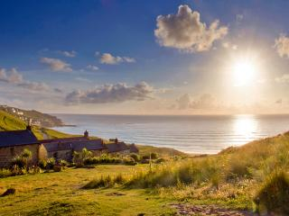 CATS CRADLE, charming cornish cottage in an area of outstanding natural beauty, Sennen