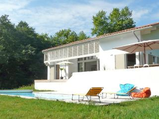 Contemporary villa with pool close Biarritz, Arcangues