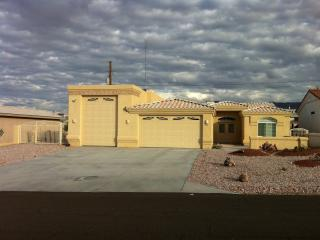 Quiet Vacation Home w/ Boat or RV Parking, Lake Havasu City
