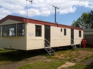 3 bed tidy holiday home great for the kids, St Osyth