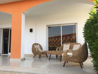 GARDEN SUITE (1 BD ROOM) - WITH LARGE TERRACE AND POOL VIEW 1