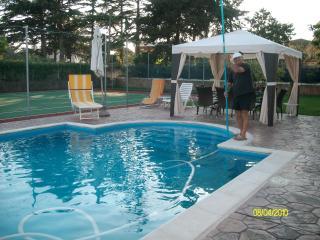 Near Rome B&B, pool and tennis, Nettuno