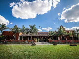 Hacienda Dzibikak, Mérida