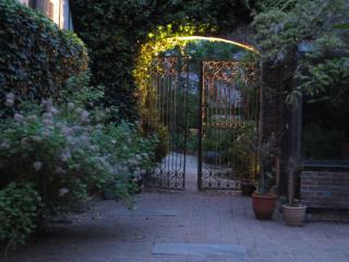 Romantic English Cottage #1, New Hope