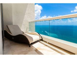 AMAZING  LUXURY  ACQUALINA RESORT & SPA, Sunny Isles Beach