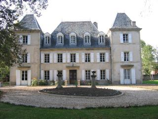 FONTGUITARD CHATEAU AND STABBLES