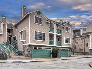 Cypress-Recently Upgraded Condo, Near Beaches, Newport Bay & Balboa Village, Newport Beach