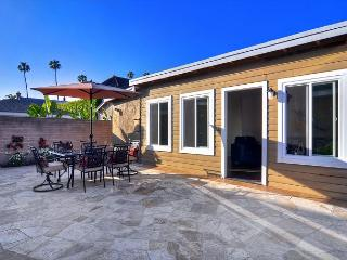 BEST OCEAN VIEW Deal in Corona Del Mar Oceanfront Garage *Min 31 night stay**