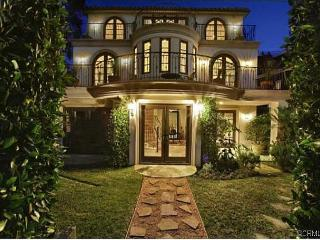 Waterfront CDM - 4,000 SQ. FT. 6 BR / 4.5BA UPGRADED GEM IN CORONA DEL MAR, Newport Beach