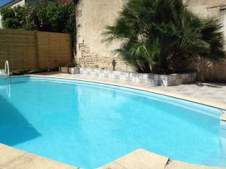 Maison individuelle avec piscine privée, Saint-Romain-de-Benet