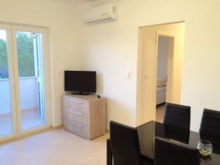 2 bedrooms apartment in Stinjan, Pula
